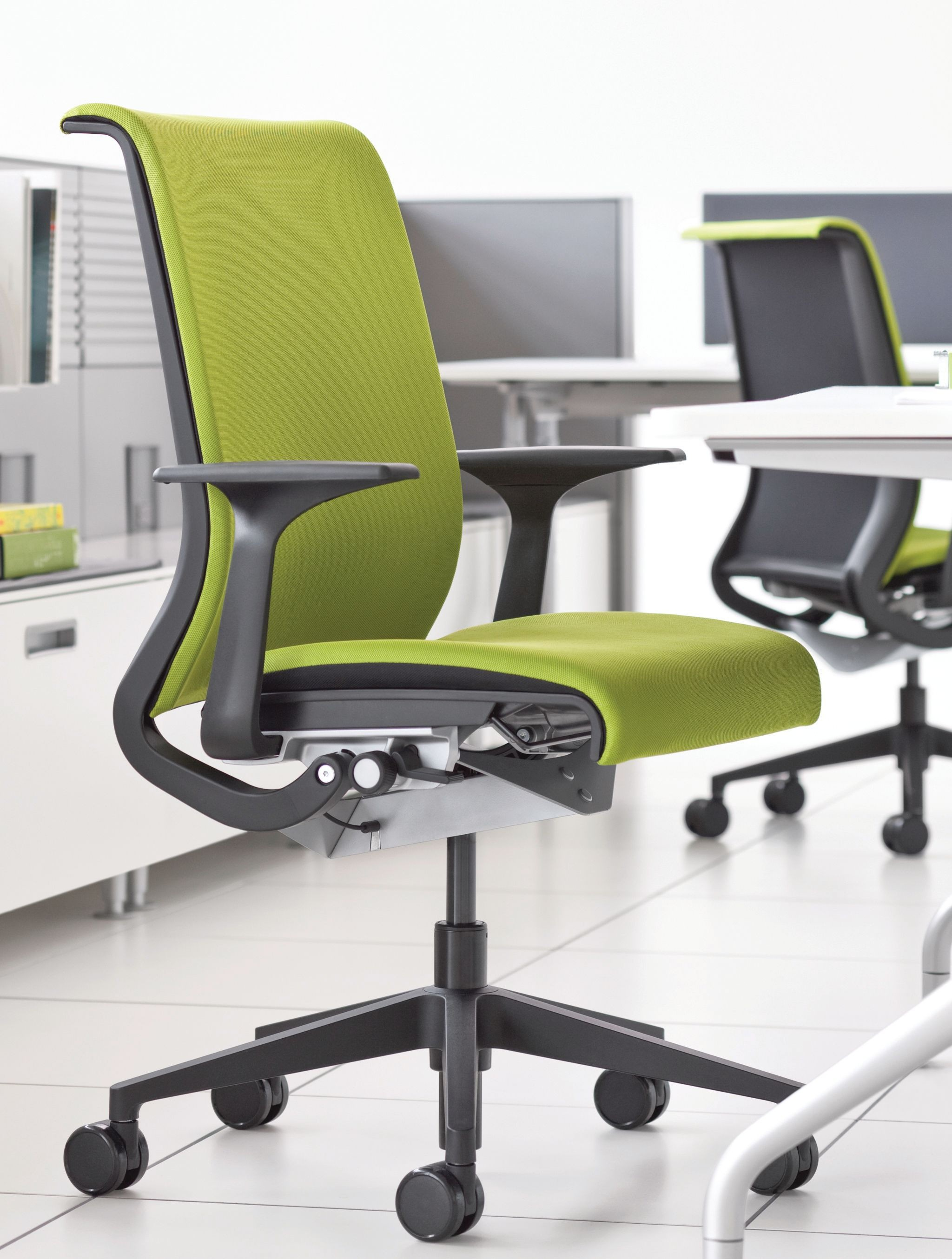 Steelcase Think Office Chair. Leftright