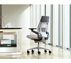 Steelcase Gesture Office Chair with Wrapped Back and Light/Light Color Scheme and Graphite Cogent Connect material