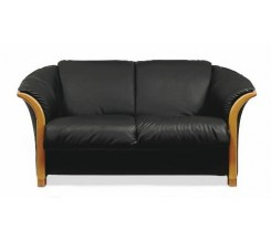 Ekornes Manhattan Loveseat - Quick Ship Colors